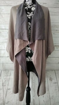 Beautiful H By Halston Cardigan , size XS  Frederick
