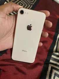 Unlocked iPhone 8 Gold Brampton, L6R 3M2