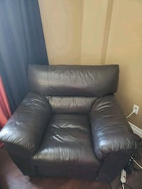 Leather chair Kitchener, N2E 3M2