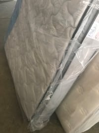 white and gray bed mattress Columbus, 43207