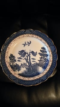 blue willow plate West Grey