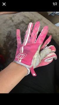pair of pink and white gloves Seattle, 98168