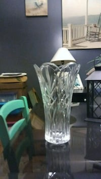clear glass vase with white and green flower Summerville, 29483
