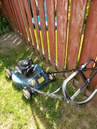Self-propelled gas lawn mower Courtice, L1E 1M5