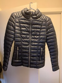 Guess Jacket in XS Coquitlam, V3B