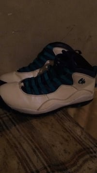 pair of chameleon Air Jordan 10's Suitland, 20746