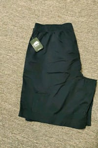 Roots essential shorts xl