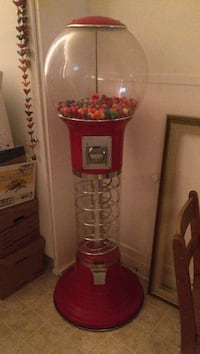 red and clear gumball dispenser Montréal, H1W 2W9