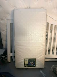 Crib mattress, mattress protector and 3 sheets La Mesa, 91941