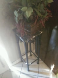 Artificial plant with table Tulsa, 74127