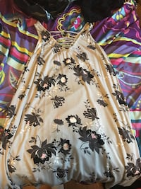 white and black floral scoop-neck shirt New Tecumseth, L9R 1E5