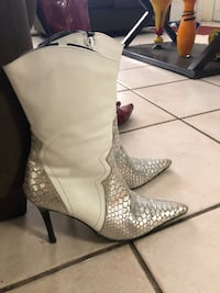 Leather boots white/silver Tucson, 85714