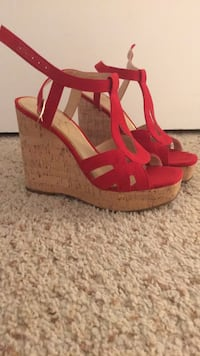 Wedge Jessica Simpson 6.5 Springfield, 22152