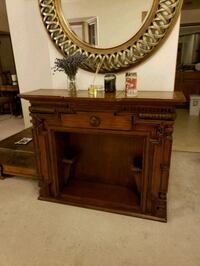 Antique wood entryway table Kenmore, 98028