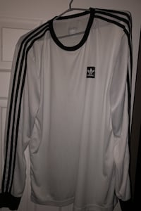 Mens large adidas long sleeve shirt  Winnipeg, R2C 5E2