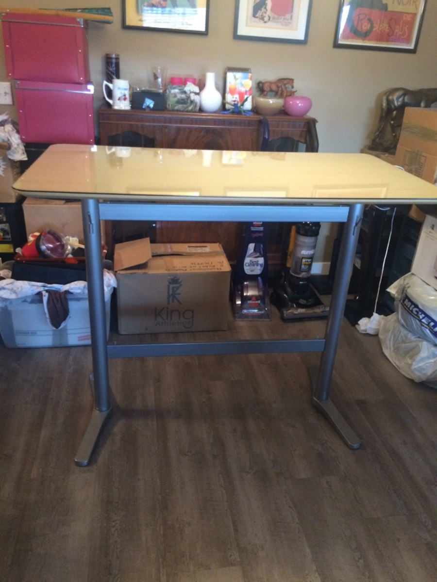 Used IKEA banquette style kitchen table w stools in Calgary