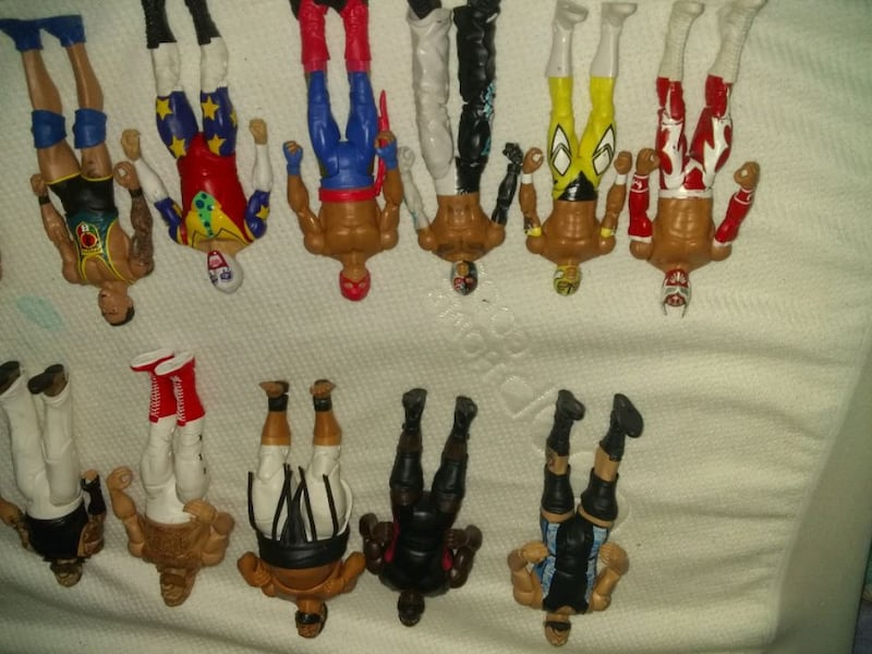 35 wrestlers action figures 5