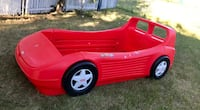 Red and black little tikes car bed frame 2467 km