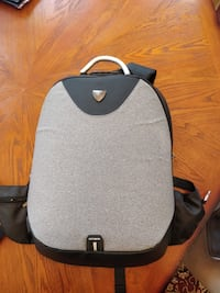 Backpack with lock Fairfax