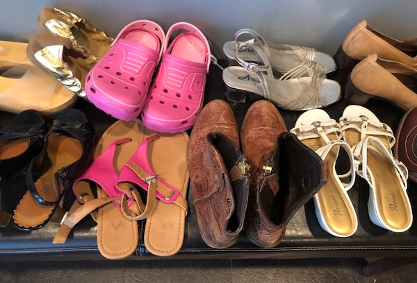 Bulk 13 pair shoe lot . Mostly size 7 , and 8 2