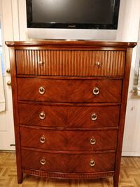 Nice modern wooden big chest dresser with big draw Annandale, 22003