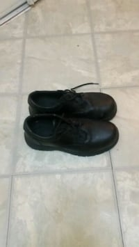 pair of black leather shoes Mississauga, L4Z 3E9