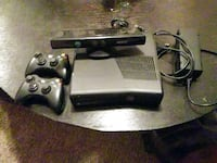 Xbox 360 console with controllers & kinect San Antonio, 78240