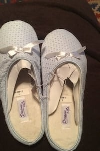 8-9 new slippers light blue $5.00 North Highlands, 95660