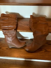 Women's Boots size 8.5