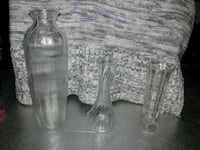 two clear glass candle holders Fortville, 46040