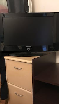 Black and gray flat screen tv Mount Prospect, 60056