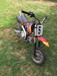 Red black dirt bike 75cc