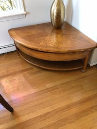 round brown wooden coffee table Waltham, 02452