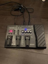 BOSS ME-25 guitar effects