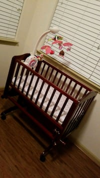 Dream on me bassinet with mattress and matress pad Orlando, 32832