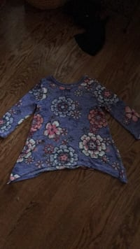 blue and pink floral scoop neck shirt Annandale, 22003