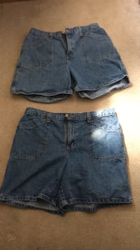 Ladies size 16 jean shorts Muscatine, 52761