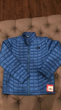 North Face Large Brand New Jacket with Tags (originally $199, you get it for $150)