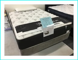 "Brand New Queen 12.5"" thick Super Plush Mattress Set"