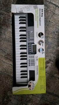 44-key electronic keyboard