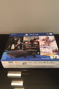 PlayStation 4 bundle PS4 slim sealed