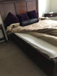 Queen bed with 6 large drawers great condition. Used few time guess rm