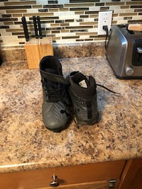 Under armour cleats size: 8.5 US