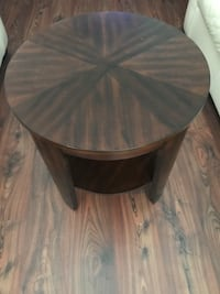 Round Side or Coffee Table in Wood Springfield