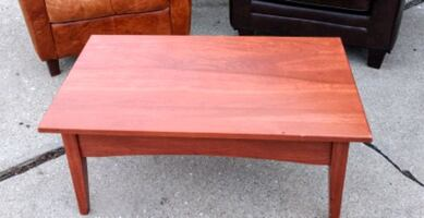 $20 solid wood coffee table