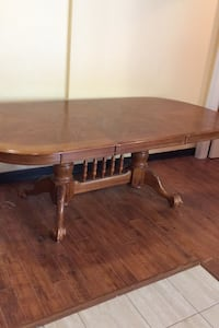 Large oak table and 6 nice chairs St. Marys, N4X 1C5