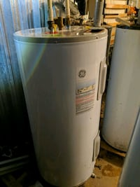 Water Heater, excellent condition 878 mi