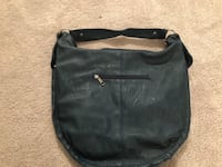 Leather purse - never used  Calgary, T2V 0G7