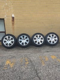 Chrome multi-spoke auto wheel with tire set Toronto, M2H