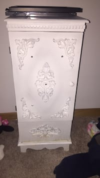 Bed side table / night stand